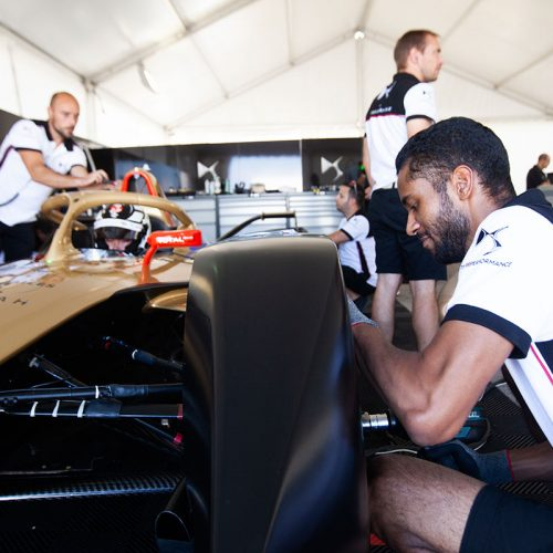 DS TECHEETAH Technical Team at work (1)