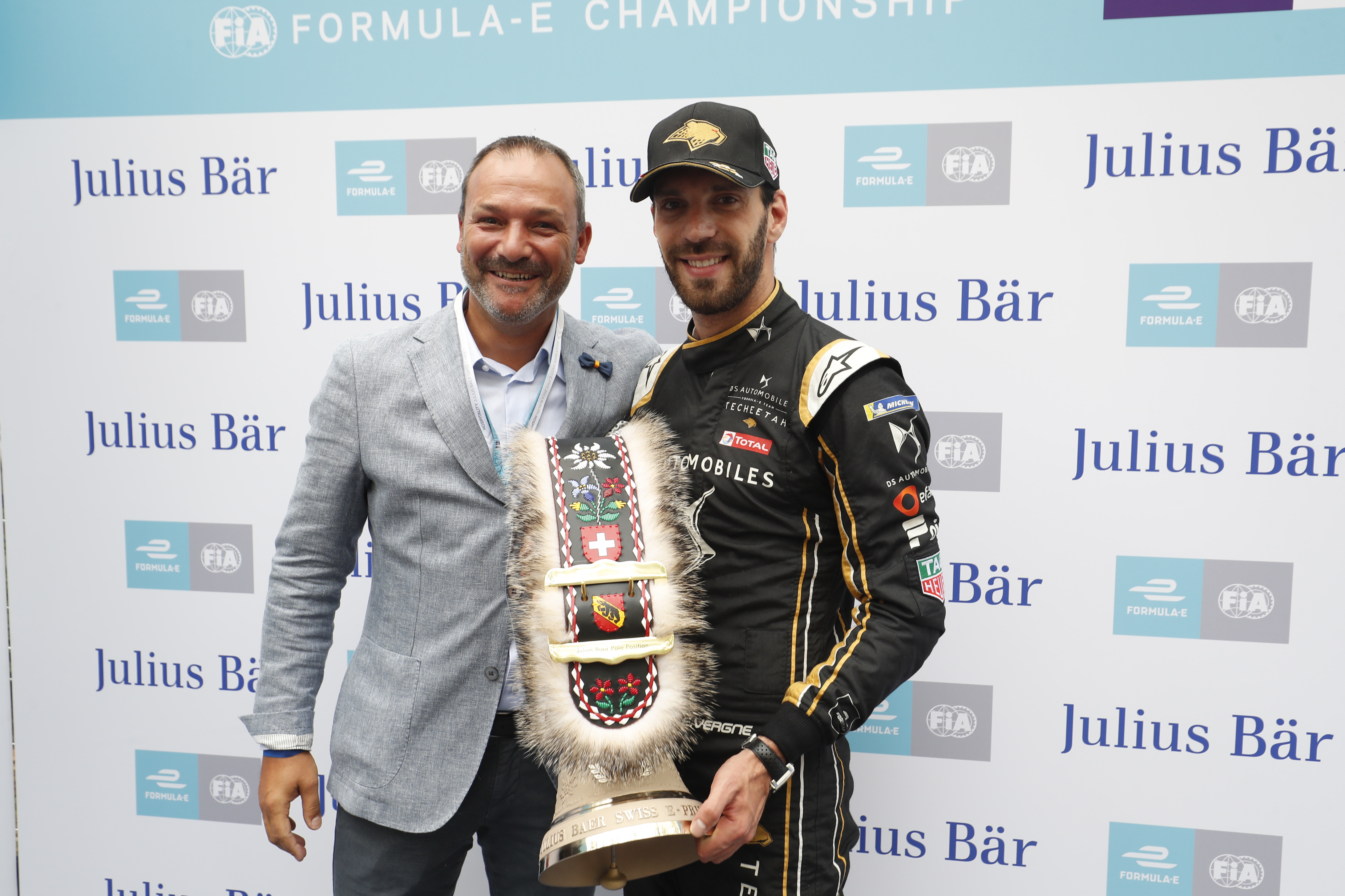 Jean-Eric Vergne (FRA), DS TECHEETAH, receives Julius Baer pole position award
